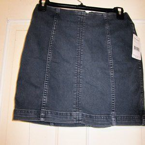 NWT FREE PEOPLE SKIRT SIZE 4